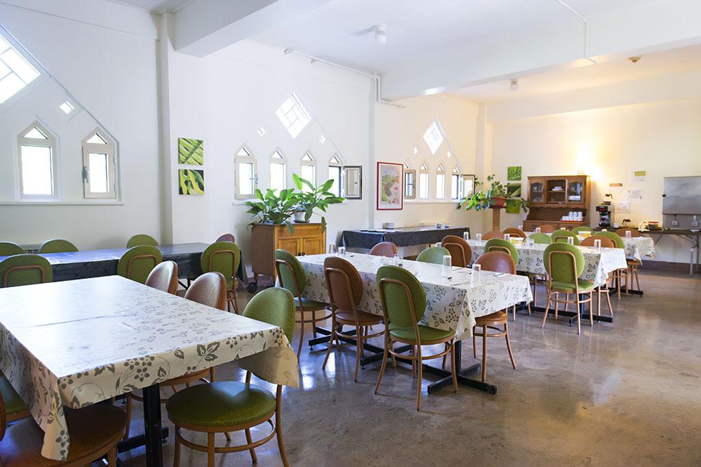 alcove-cafeteria.jpg